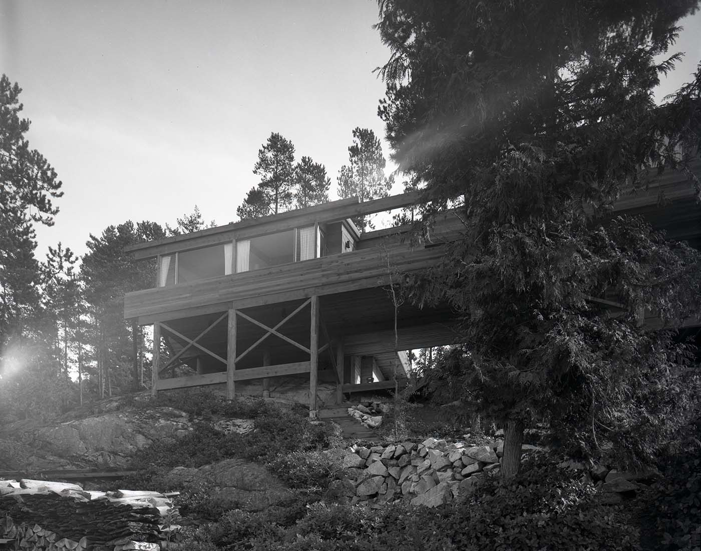 Anton Residence (Erickson and Massey), Photo by Fred Schiffer, 1967.