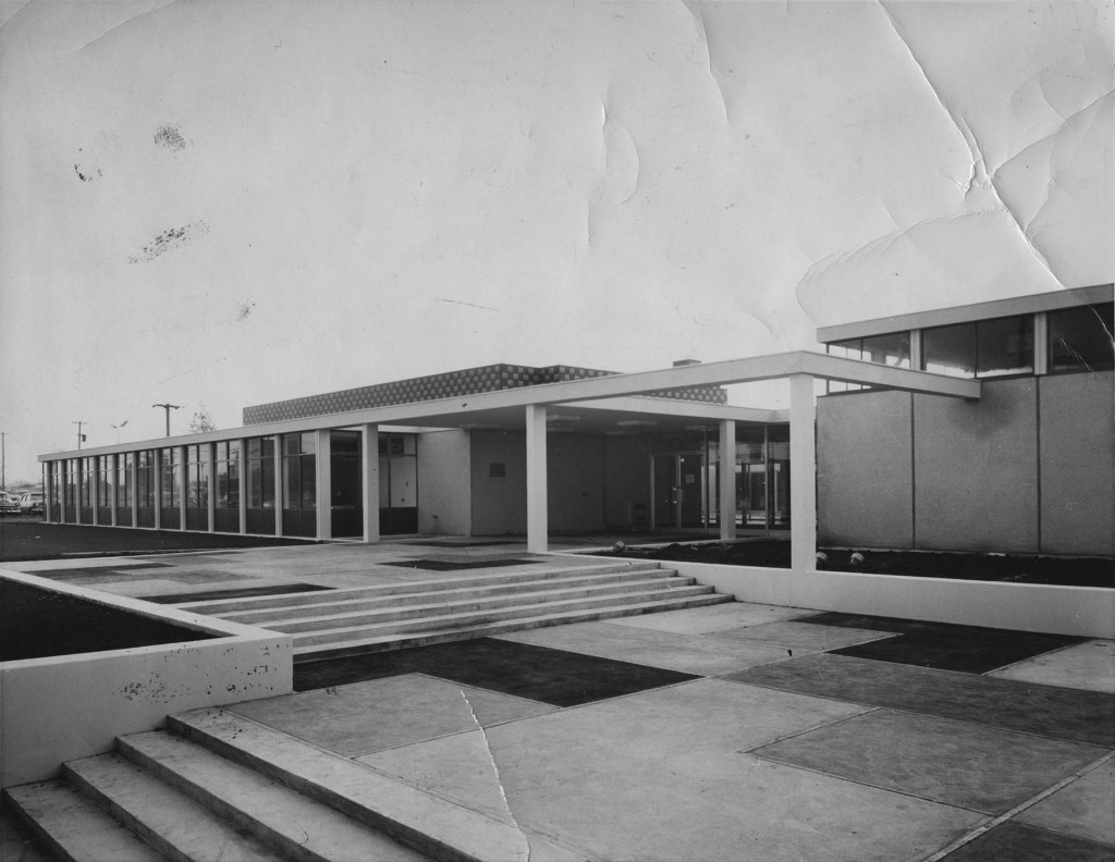 The newly constructed Jewish Community Centre, 1962.  L.11512